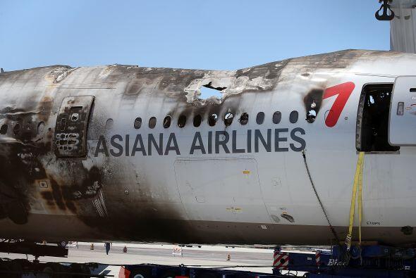 En las imágenes de los restos de la aeronave, se pueden ver de cerca los...