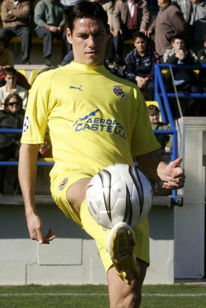 El 18 de Mayo de 2008, Guardado ingresó a los 77 minutos para enf...