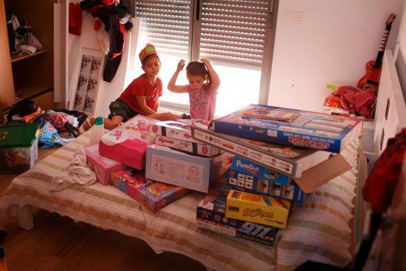 Embalaje:  Cuando los niños están tan emocionados por abrir sus regalos...