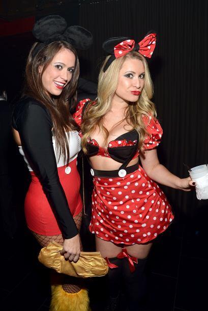 'Mickey Mouse' y 'Minnie Mouse' también asistieron. El traje de 'Minnie'...