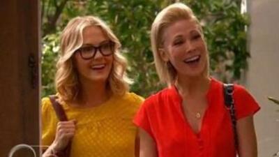 La serie Good Luck Charlie incluye a una pareja de lesbianas y desata la...