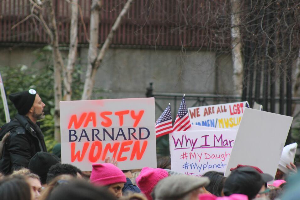 En diversas pancartas, muchos expresaron porqué marchaban. En uno de est...