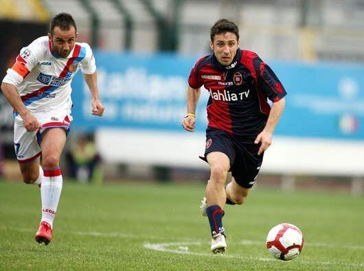 Y finalmente Cagliari y Catania también arrojaron otro empate, este por...