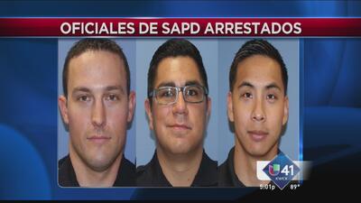 Arrestan a policías por asalto sexual