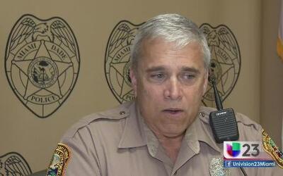 Policía de Miami es condecorado como héroe