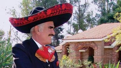 Vicente Fernández: La Vida Es Una Copa de Licor