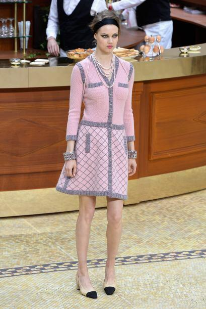 Pero Chanel no se quedó atrás y recreó un ambiente...