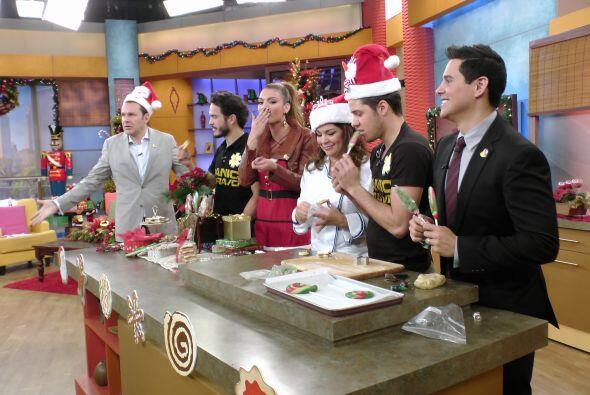 El actor y director mexicano nos acompañó en la cocina donde aprendimos...
