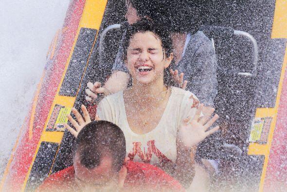 9.- A Selena Gómez ni las altura y menos la velocidad la asustan, al con...