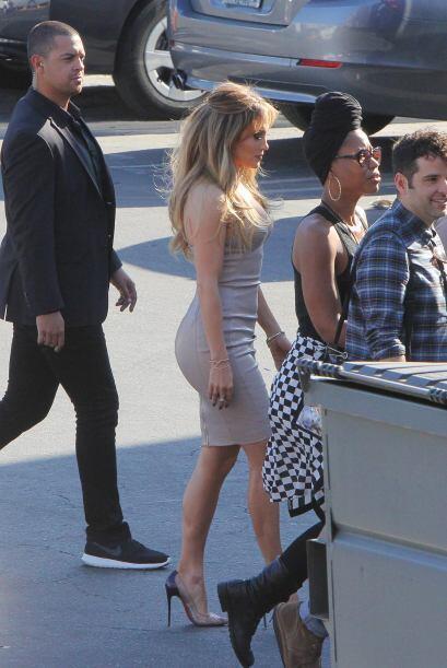 ¿Jennifer Lopez es perfecta? Mira estas imágenes de sus looks en el set...