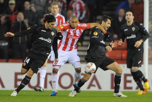 El Stoke buscó de toda forma ir por el empate, pero la defensa va...