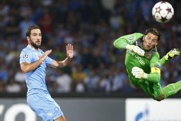 El argentino Gonzalo Higuaín abriría el marcador.
