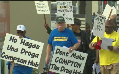 Protestan en Compton por venta de marihuana cerca de escuelas
