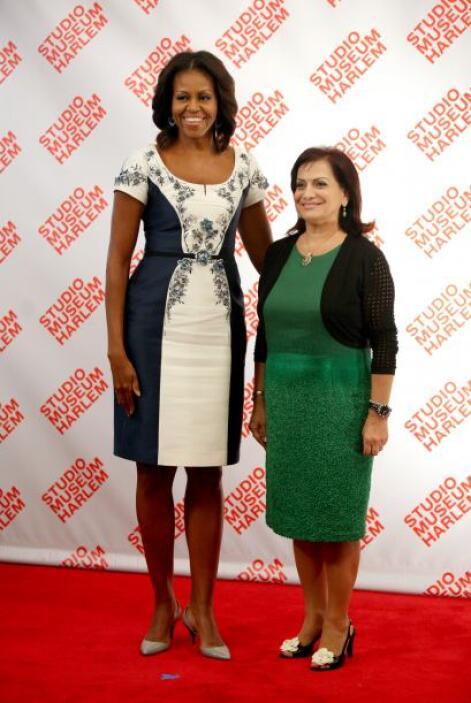 Wafaa Solaiman, decidió hacer a un lado la seriedad y llevar un vestido...