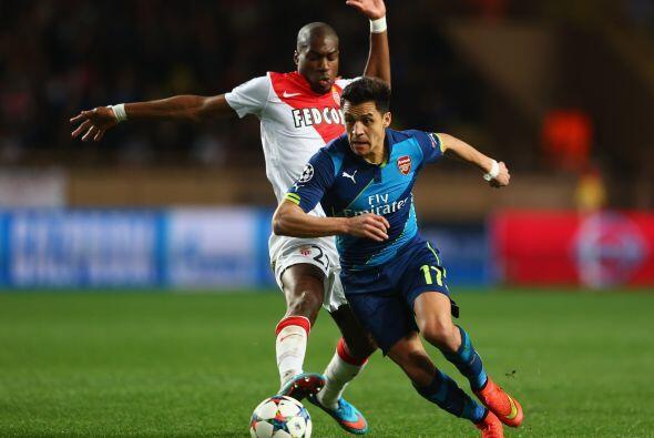 Arsenal intentó controlar el esférico desde el silbatazo i...