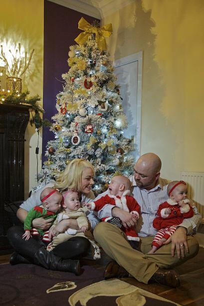 La pareja pasará su primer navidad ya siendo toda una familia y muy nume...