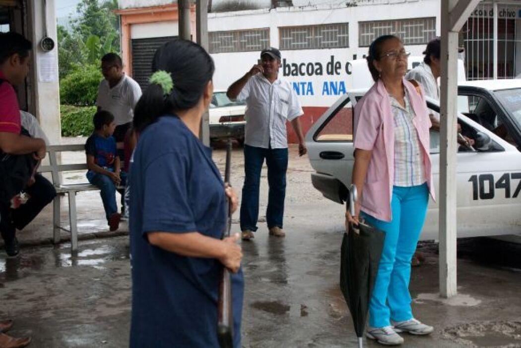 Armadas con fusiles patrullan las calles de esa localidad. (Foto: Miguel...