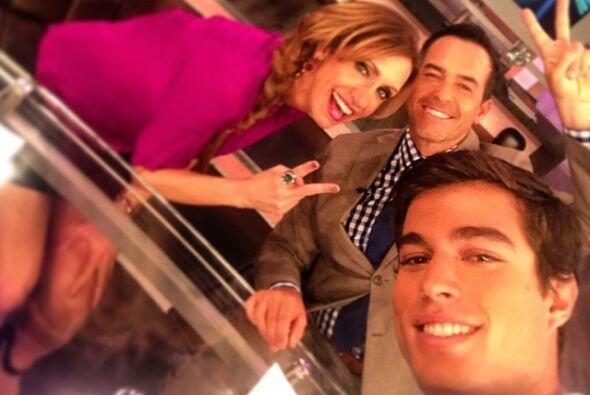 Con Lili y Carlos en las grabaciones del programa.