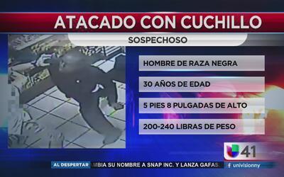 Hombre armado ataca a otro dentro de una tienda en Manhattan