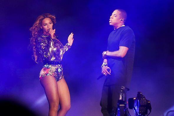 Sobre el escenario demostraron que la química y el amor entre amb...