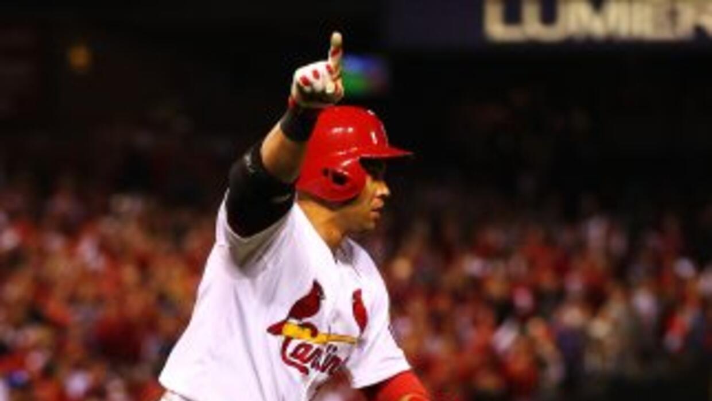 Carlos Beltrán corre las bases con la de ganar.