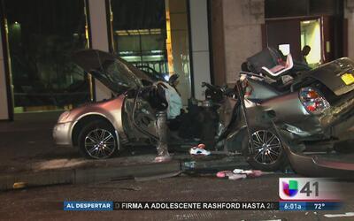 Accidente automovilístico en Manhattan deja un muerto y un herido