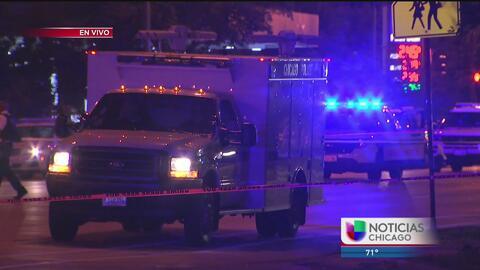 Agente de la Policía Estatal de Illinois dispara a dos sospechosos al su...