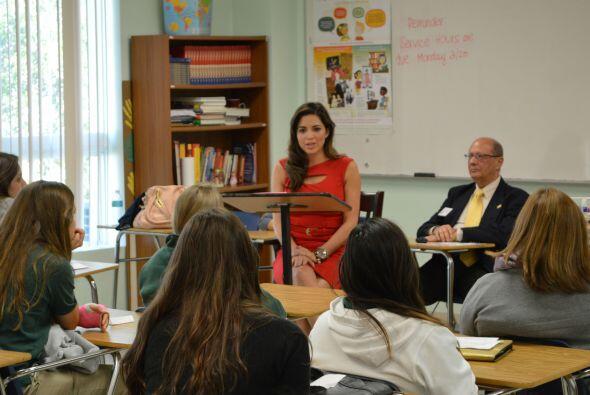 Ya en el salón, con los estudiantes, Pamela les dijo que, además de estu...