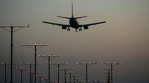 Comienza la reubicación más grande de aerolíneas en la historia de LAX