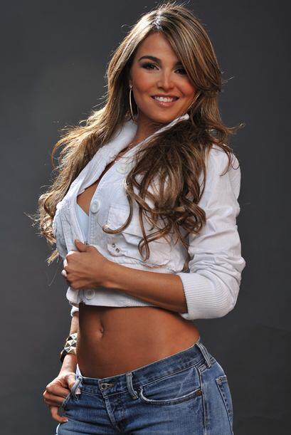 Ella llega con mucha belleza desde Colombia.