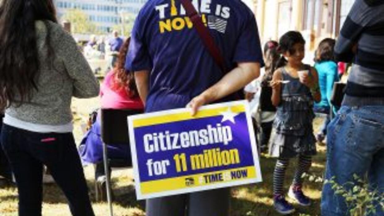 La acción ejecutiva no concede beneficios migratorios permanentes a los...