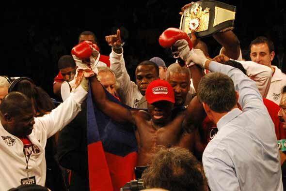 Andre Berto retuvo el título y pidió peleas con los más valorados de la...
