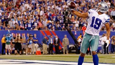Miles Austin tuvo cuatro atrapadas para 73 yardas y un touchdown de 34 y...
