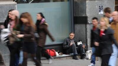 Mientras casi 50% de los jóvenes están desempleados en España y Grecia,...
