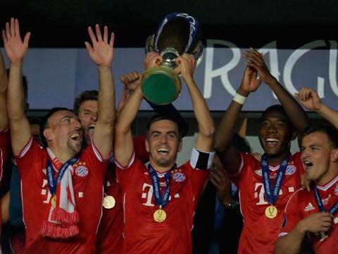 El Real Madrid y el Sevilla buscan llevarse el trofeo que hace un a&ntil...
