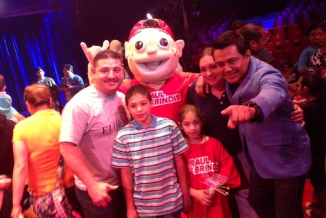 Como cada año, Raúl Brindis estuvo como invitado del Circo Hermanos Vázq...