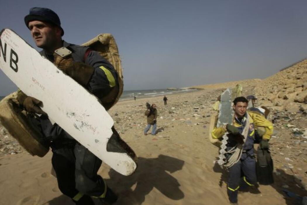 Murieron  las 90 personas que viajaban en el Boeing 737-800 de Ethiopian...
