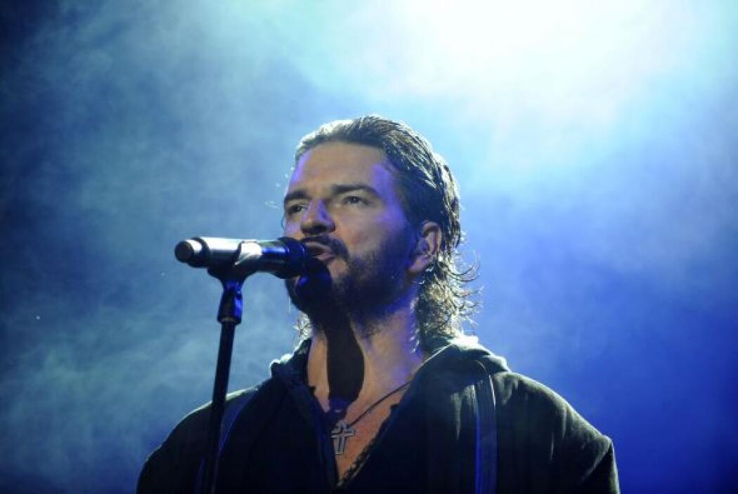 El cantante gutemalteco Ricardo Arjona también colabora con su fundación...
