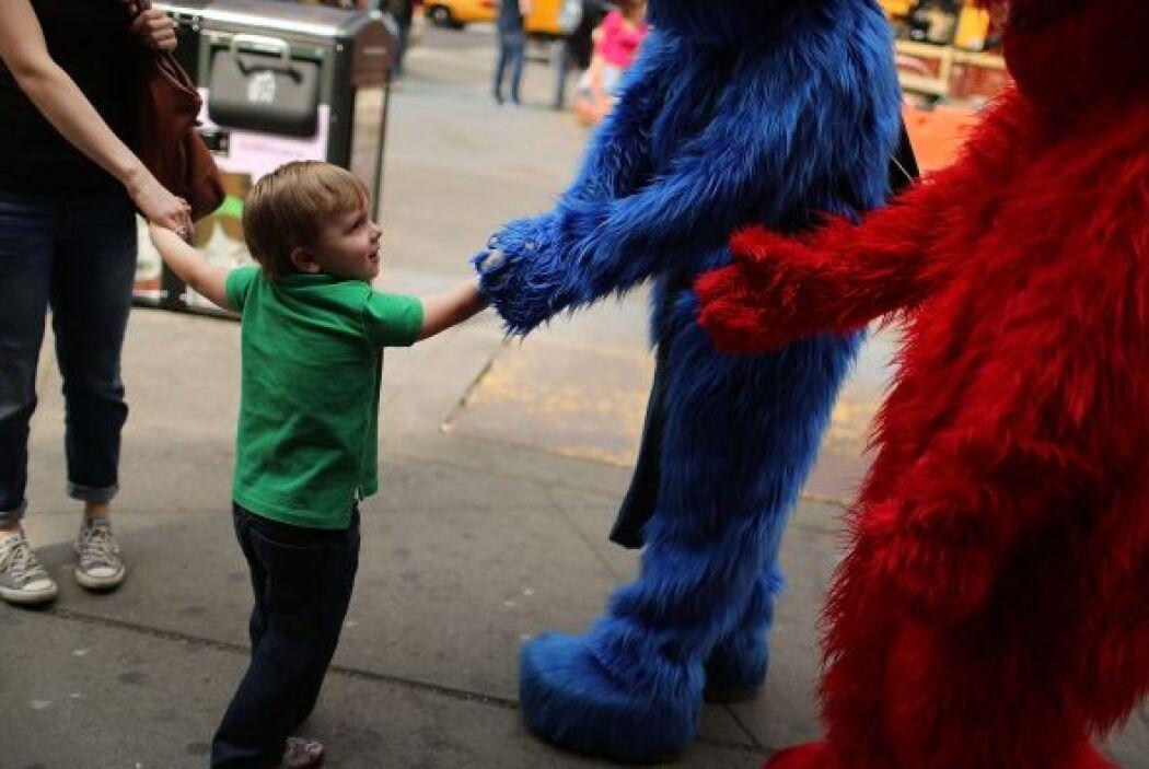 """Otro hombre vestido como Cookie Monster de """"Sesame Street"""", fue arrestad..."""