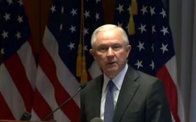 'Nueva York en un Minuto': el fiscal general Jeff Sessions le declara la...