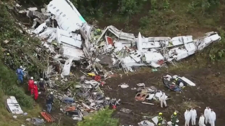 Regresa a Bolivia uno de los sobrevivientes del accidente aéreo en Colombia