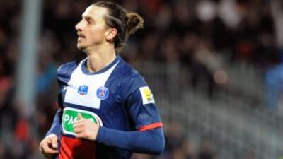 El triplete de Zlatan comandó la goleada copera del PSG.