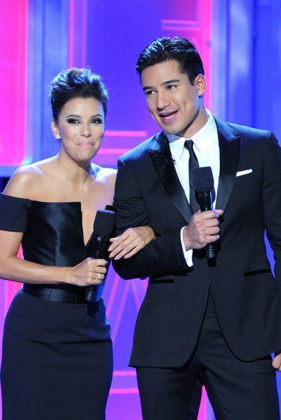 Mira los vestidos que eligió Eva para los ALMA Awards. Mira aquí lo últi...