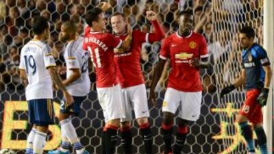 Manchester United se estrenó con goleada en el primer partido que dirige...