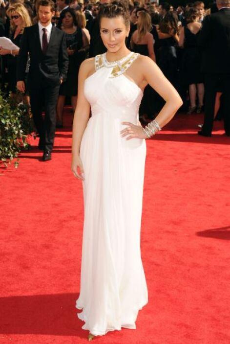 Kim Kardashian parecía la diosa de la alfombra roja por su exquisito gus...