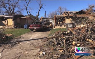 Tras el paso del tornado declaran estado de emergencia en el condado Bexar