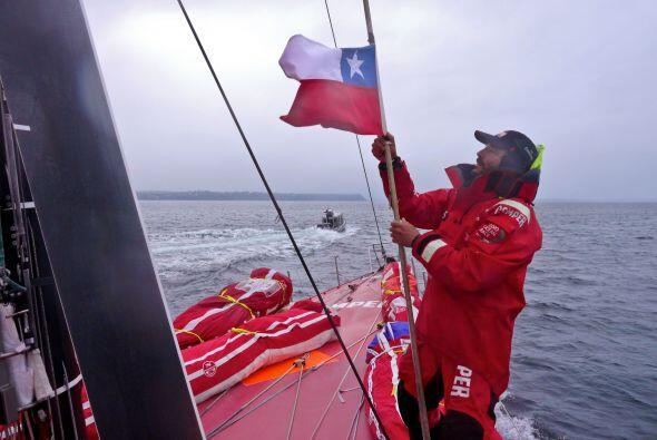 Tras una escala técnica en Chile para reparar su casco dañ...