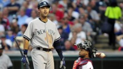 Derek Jeter no pudo evitar la derrota de los Yankees, pese al doblete co...