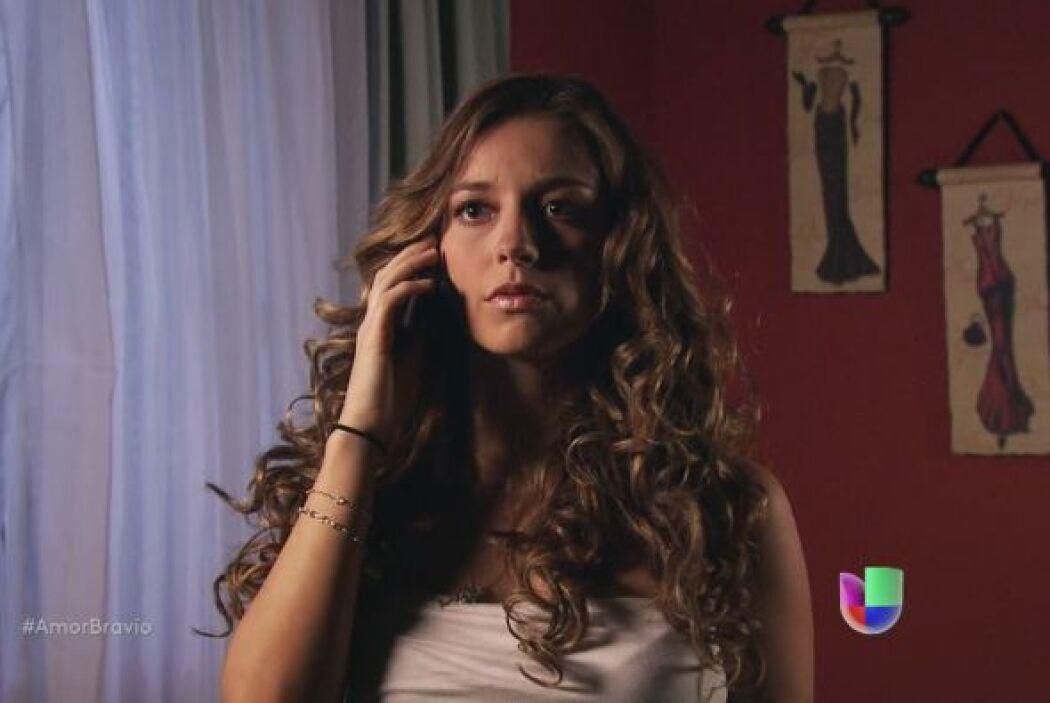 Pablo llama a Mayalen para cancelar la cita que tenían, ella se siente m...