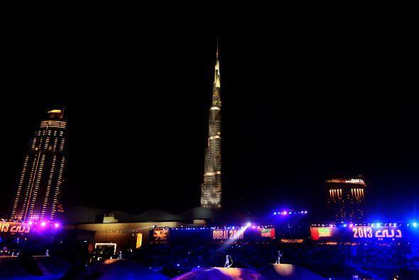 El Burj Khalifa de Dubai, catalogado como el rascacielos más alto del mu...